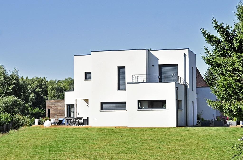 Faire construire une maison moderne maisons france confort for Maison moderne aconstruire