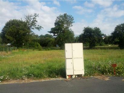 Terrain à vendre  aux  Herbiers (85500)  - 66450 € * : photo 1
