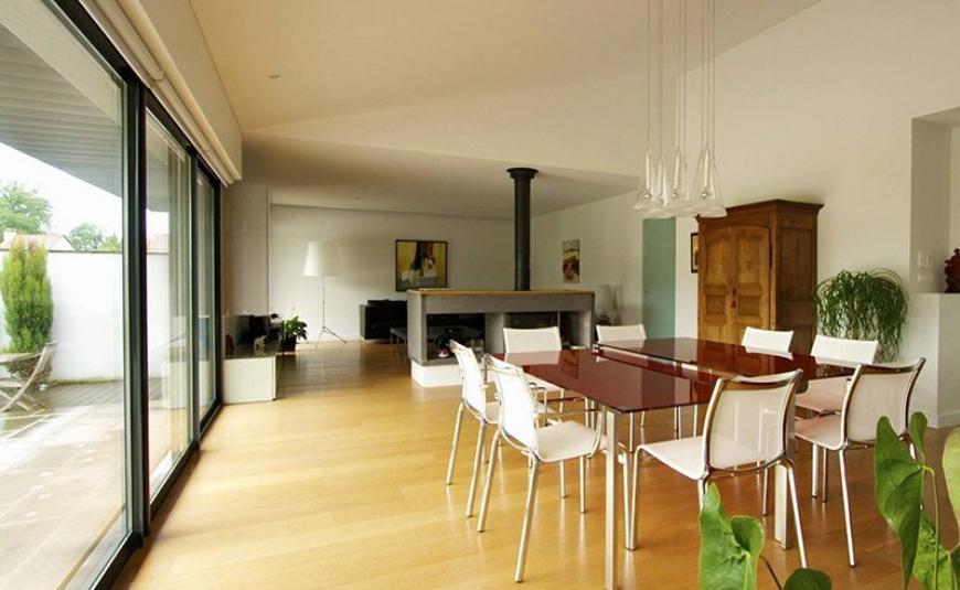 Une maison de plain-pied sur sous-sol dans le Cantal (15)