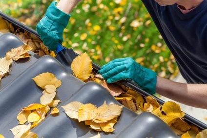 Nettoyage de la couverture d'une maison