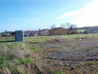 Terrain à vendre  à  Fontaines (85200)  - 50000 € * : photo 1