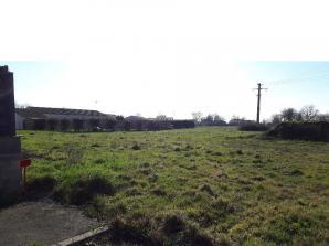 Terrain à vendre à La Meilleraie-Tillay (85700)<span class='prix'> 23670 €</span> 23670