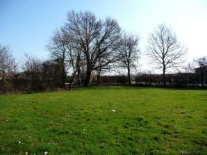 Terrain à vendre à Saint-Didier-sur-Chalaronne (01140)<span class='prix'> 73900 €</span> 73900
