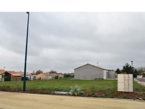Terrain à vendre à La Châtaigneraie (85120)<span class='prix'> 19000 €</span> 19000