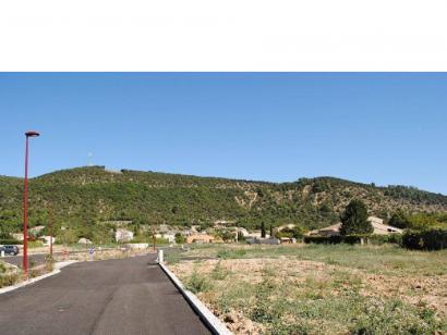 Terrain à vendre  à  Oraison (04700)  - 105000 € * : photo 1
