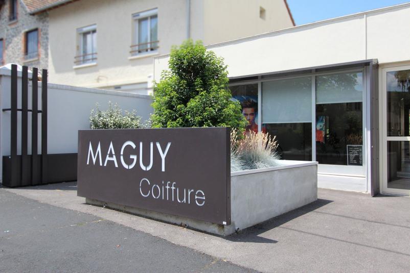 Agencement d'un façade pour un salon de coiffure