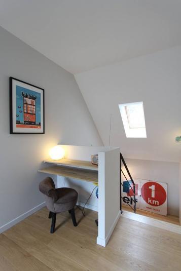 Mezzanine avec petit bureau intégré