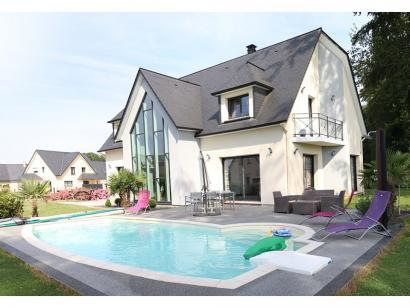 Modèle de maison SM-200-ETG-R-GS 4 chambres  : Photo 1