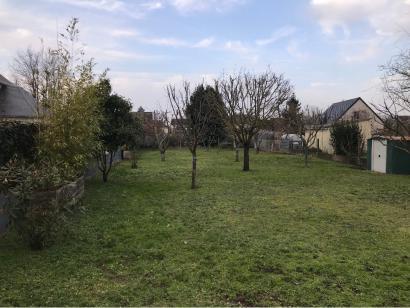 Terrain à vendre  à  La Ville-aux-Dames (37700)  - 109000 € * : photo 1