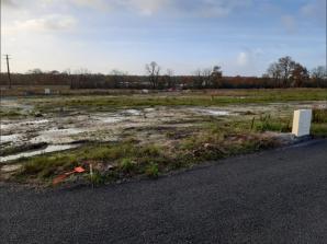Terrain à vendre à La Roche-sur-Yon (85000)<span class='prix'> 45000 €</span> 45000