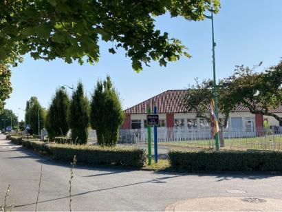 Terrain à vendre  à  Fontaine-le-Comte (86240)  - 62900 € * : photo 3